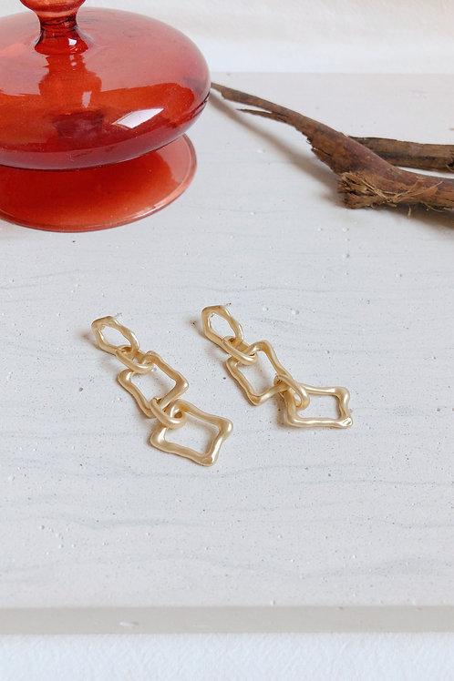 Gold Interlocking Irregular Chain Earrings