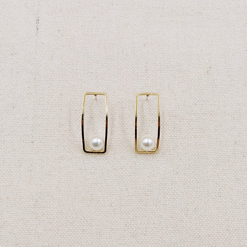 Rectangular Rim with Pearl Earrings