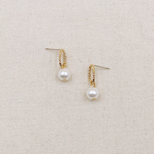 Oval Rim with Pearl Earrings