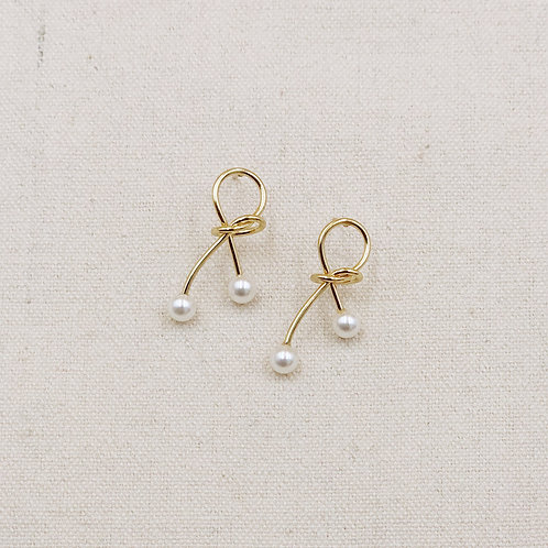 Knot Pearl Earrings