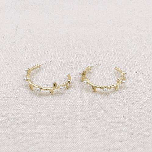 Ivy Pearl Hoop Earrings