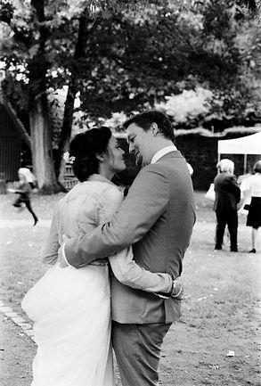 Hochzeitsfotografie, Portrait in Schwarzweiss des Brautpaars