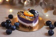 Пирожное ваниль-черника.jpg