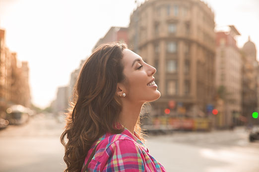 dreamy-beautiful-woman-enjoying-city-life.jpg