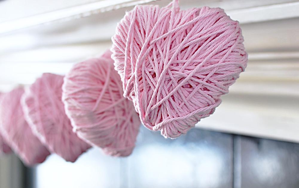 DIY heart garland for Valentine's Day
