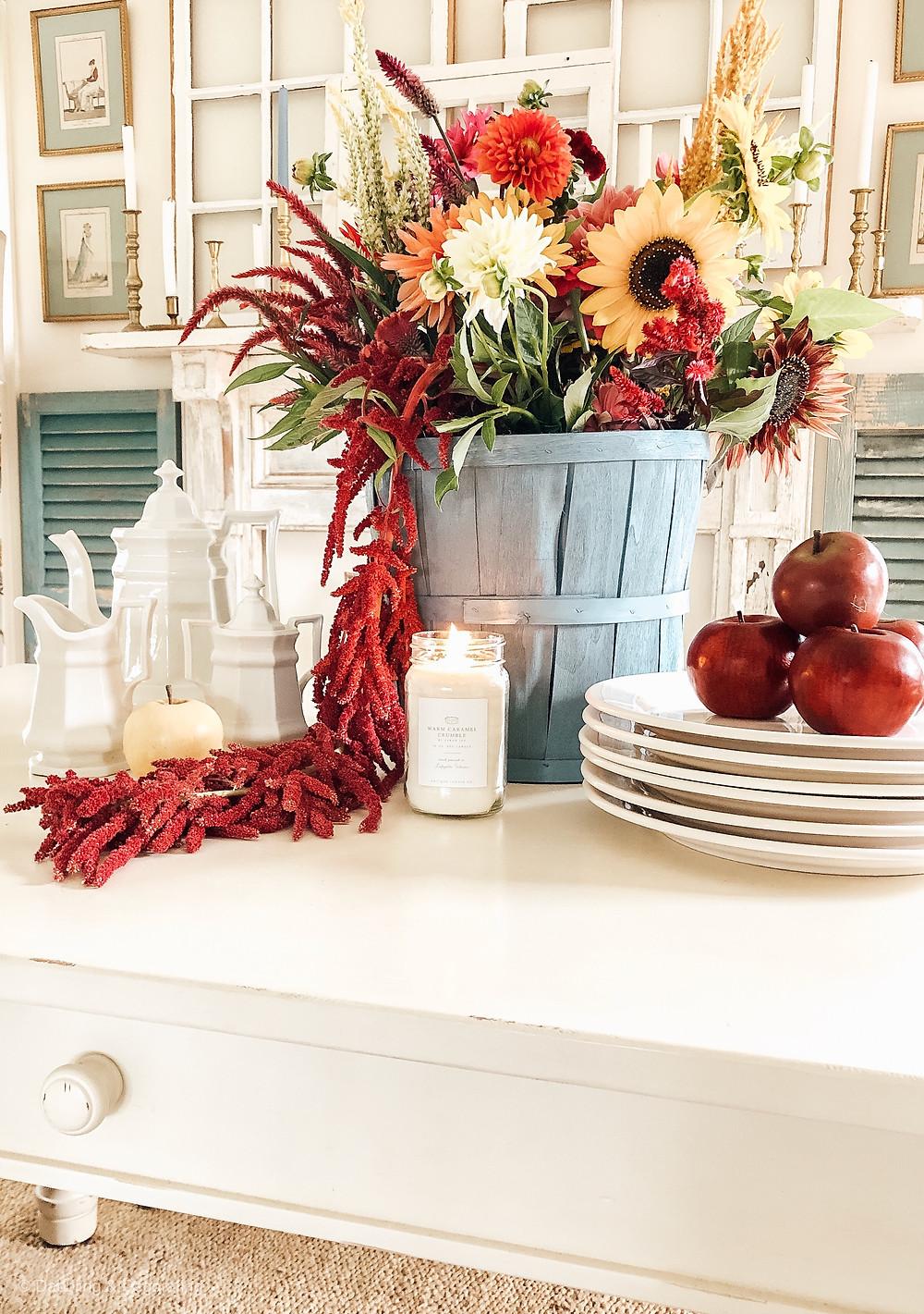 Simple DIY Fall Table Centerpiece