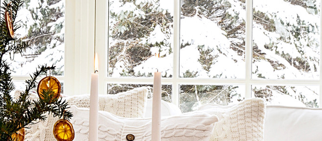 Simple Christmas Decor in the Sunroom!