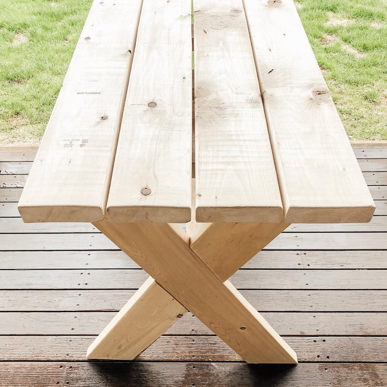DIY Outdoor Garden Table