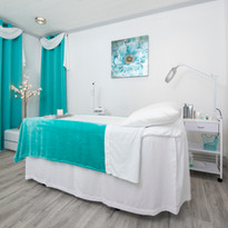 Treatment_Room-0118_2447x1454.jpg