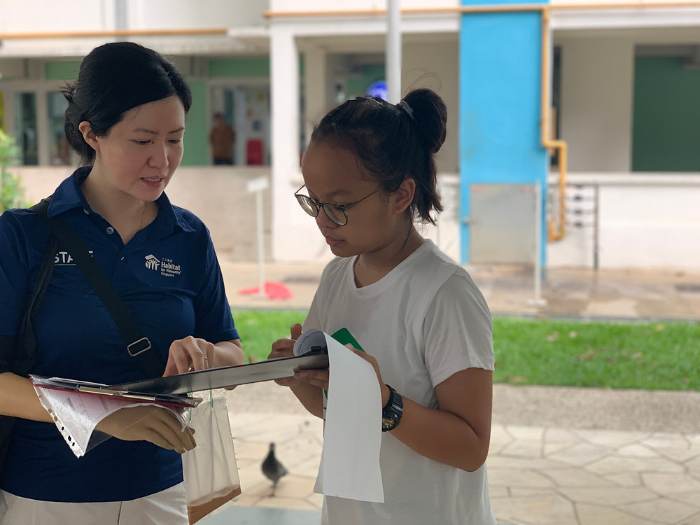 Chunhui training a student volunteer leader