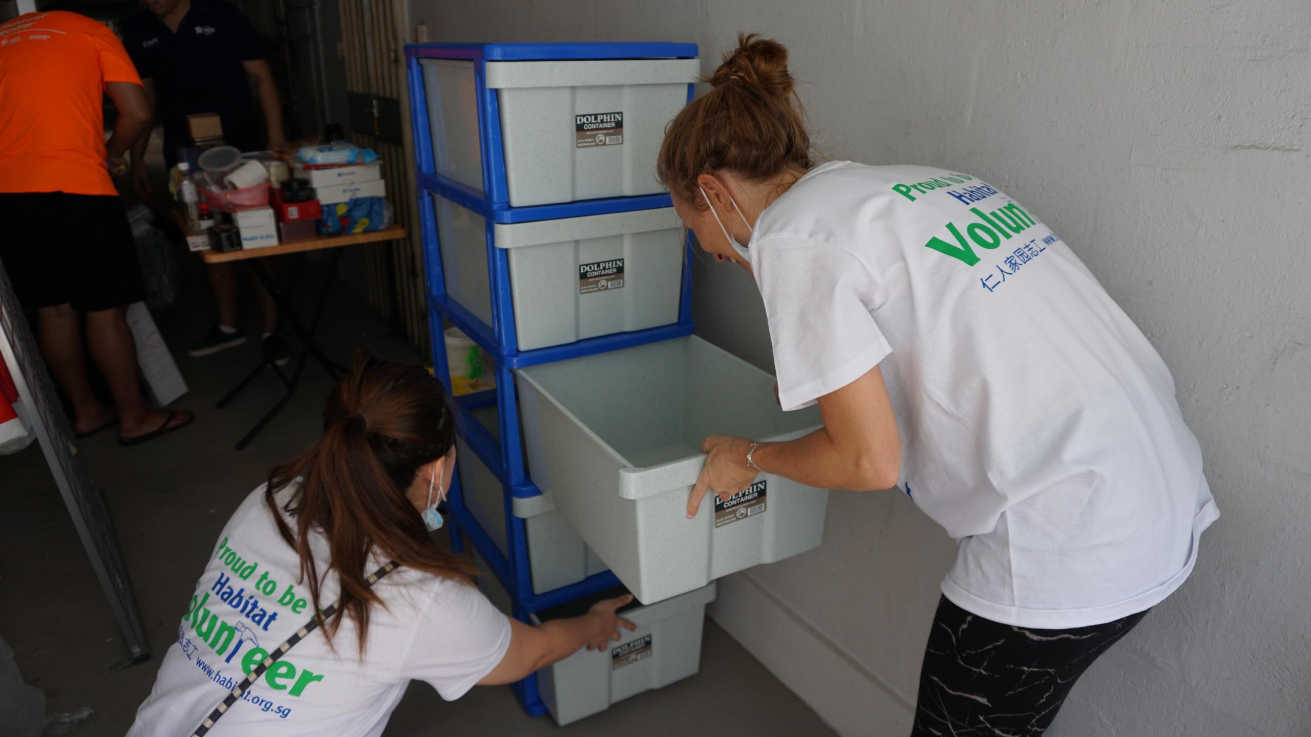 Pinwheel Volunteers at Work