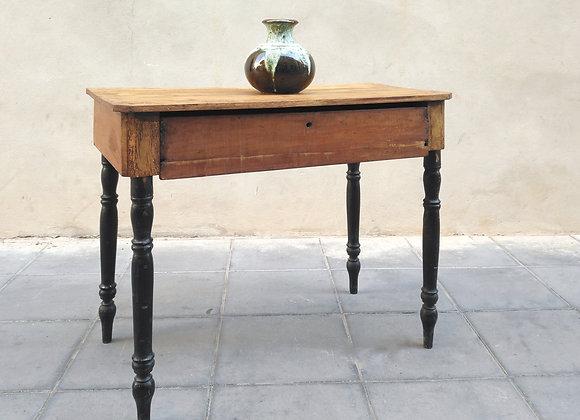 Mesa auxiliar o escritorio antigua