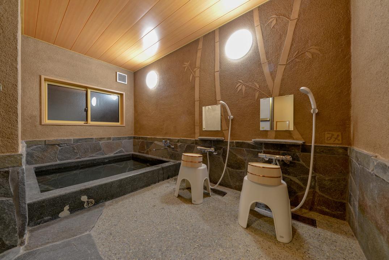 鉄平石風呂
