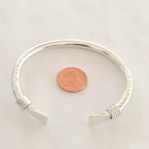 BS20 STERLING SILVER .6 GAUGE BRACELET