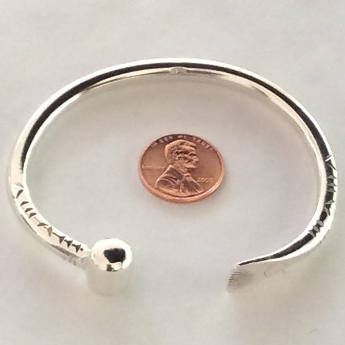 BS37 STERLING SILVER BARREL TIP BRACELET