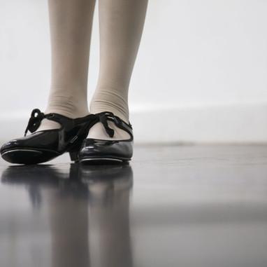 Shiny black tap Shoes