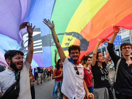 Após denúncias de violência, LGBTs criam 'grupos de segurança' e buscam aulas de autodefesa