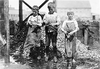 children shucking oysters.jpg