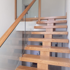 Myles Staircases Glass Stairs-WA0130.jpg