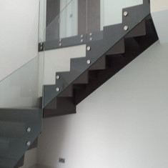 Myles Staircases Contemporary-WA0152.jpg