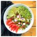Idée recette spécial confinement : salade composée pamplemousse, avocat, radis, noix de pécan et sés