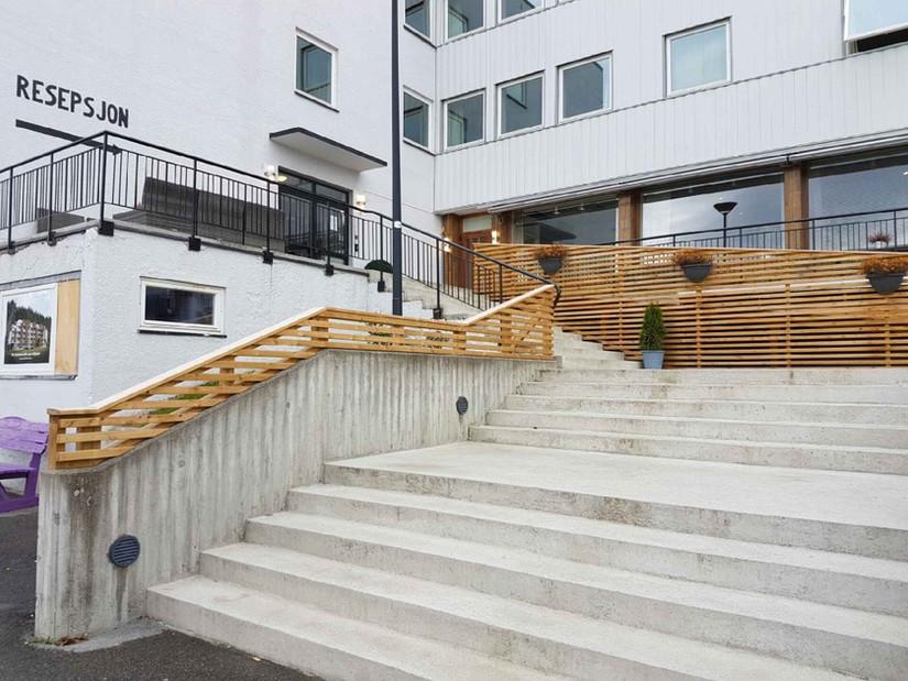 trappen_på_hotellet__med_nye_varmekable