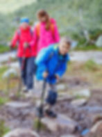 family hiking_310686.jpg