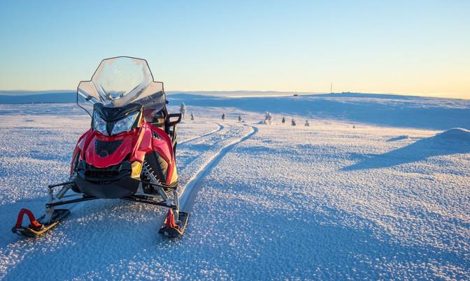 snow mobile.jpg