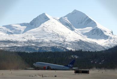 SAS_737_at_Bardufoss.jpg