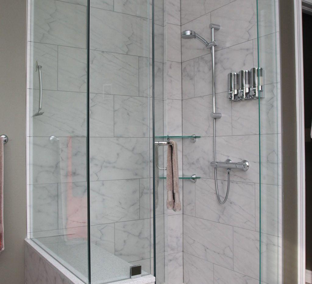 32-shower-with-soap-dispenser-compressor