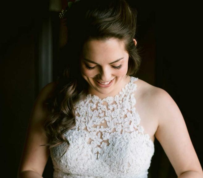 ann arbor bride wearing natural makeup and hair