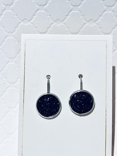 Hanging Black Earrings (12mm)