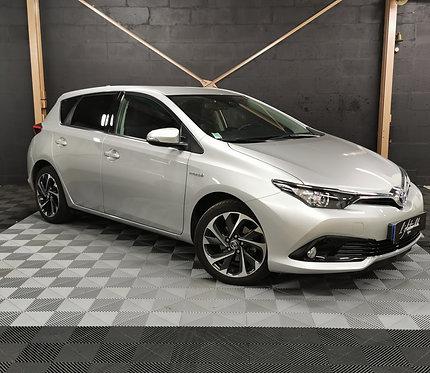 Toyota Auris II 136h Design