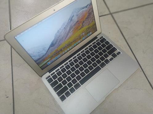 Macbook Air (I5 2°gen/2GB RAM/SSD 128GB