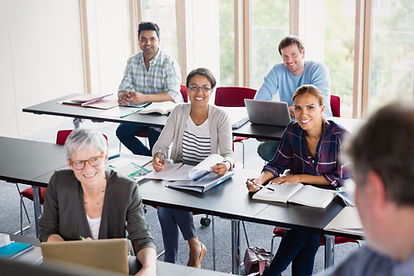 Studenten en docent in de klas