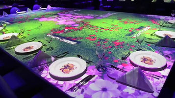 Mon lumi, Lumi Aktiv, Lumi Map, mapping, interactive, interactive lamp, video mapping lamp, restaurant mapping,  mapping table, interactive floor, interactive table, interactive desk, video mapping desk,