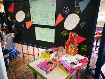 Decorative bandols celebrate Spanish heritage