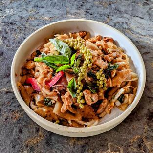 Thai Peppercorns Chicken Noodles
