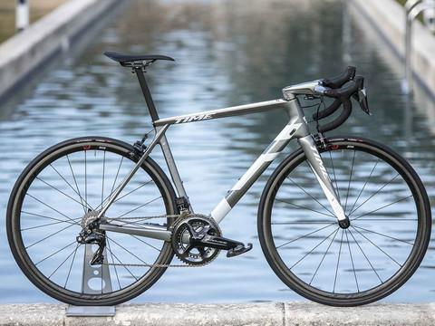 TIME CYCLING | vélo de route | design de produit