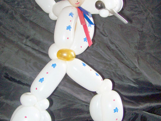 Elvis Balloon Animal twisting in Denver