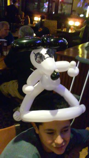 Snoopy w/ glasses Balloon Animal