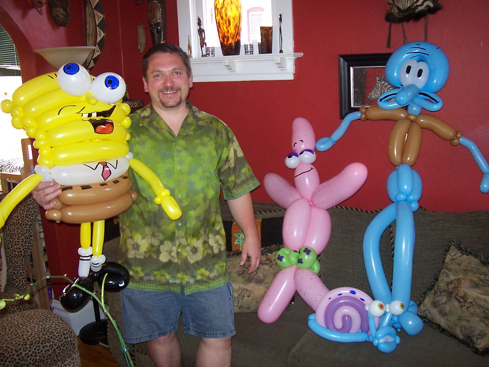 Sponge Bob Balloon animal twisting
