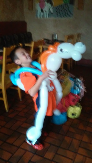 Miles the Bronco Horse Balloon Anima