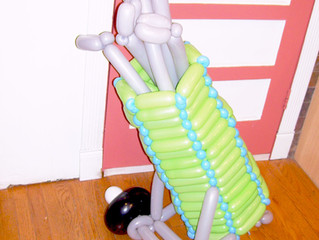 Balloon Golf bag Delivery sculpture for delivery in Denver