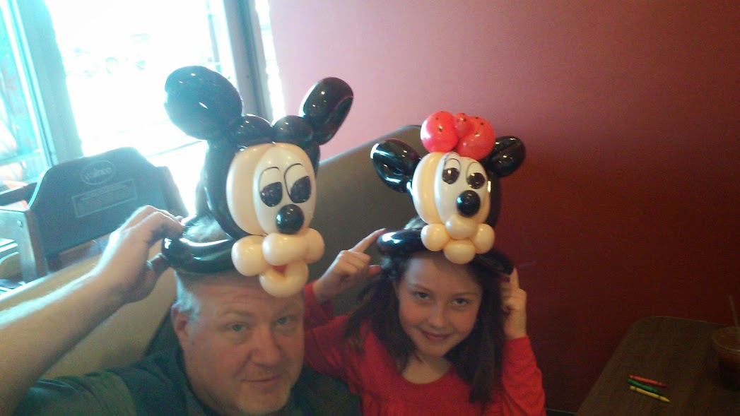 Mickey & Minnie Mouse Balloon Animal