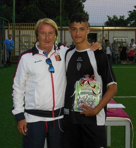 Sidio Corradi premia Samuele Barzacchi come miglior attaccante