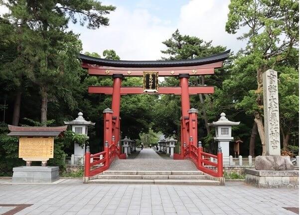 気比神宮 日本3大鳥居のひとつ