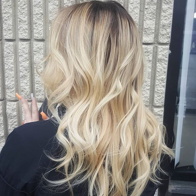 ROOTED BLONDE Foilayage by _janinevelezm