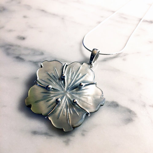 Silver Shell Flower Necklace