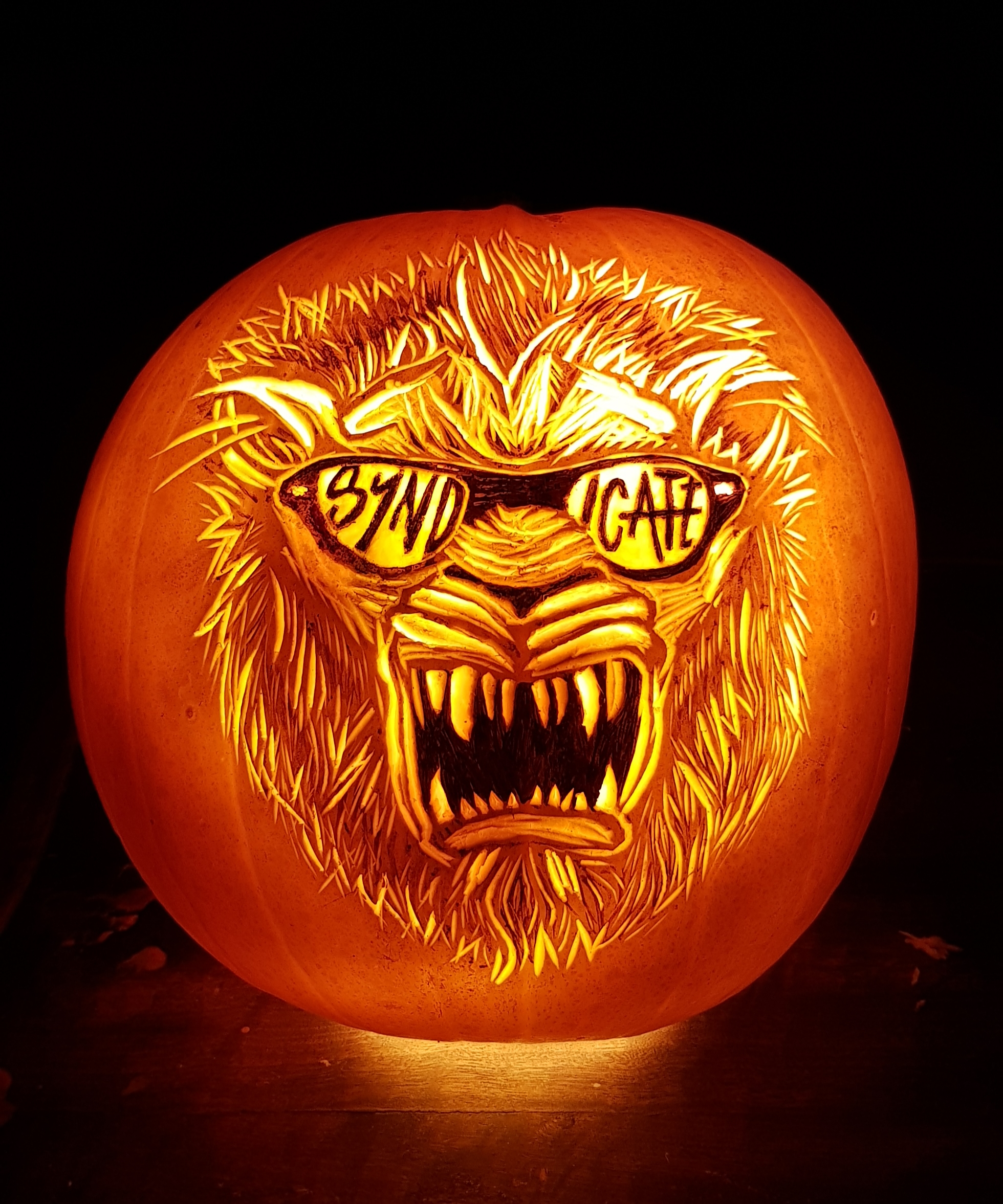 Syndicate logo pumpkin carvingv2